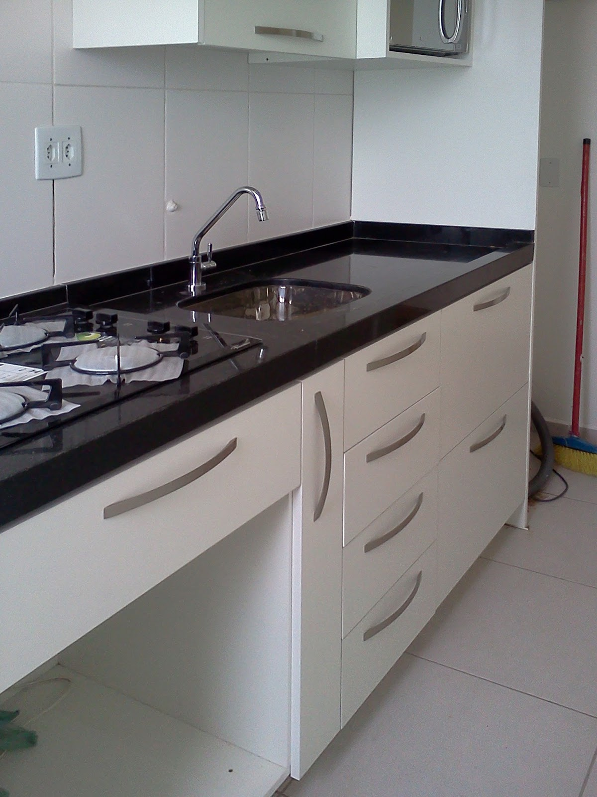 MOVEIS PLANEJADOS: Cozinha apartamento MRV #5D4542 1200 1600