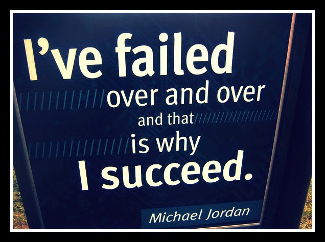 "Sebuah gambar yang tertulis, ""I've failed over and ovver and that is why I succed."" Kata Michael Jordan."