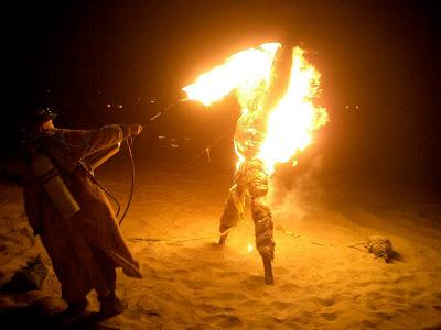 Burning Scarecrows 7 Tradisi Tahun Baru nan Unik