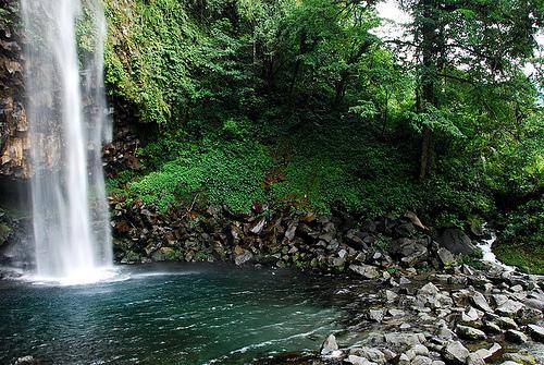 Wisata Air Terjun Lembah Anai Padang Panjang