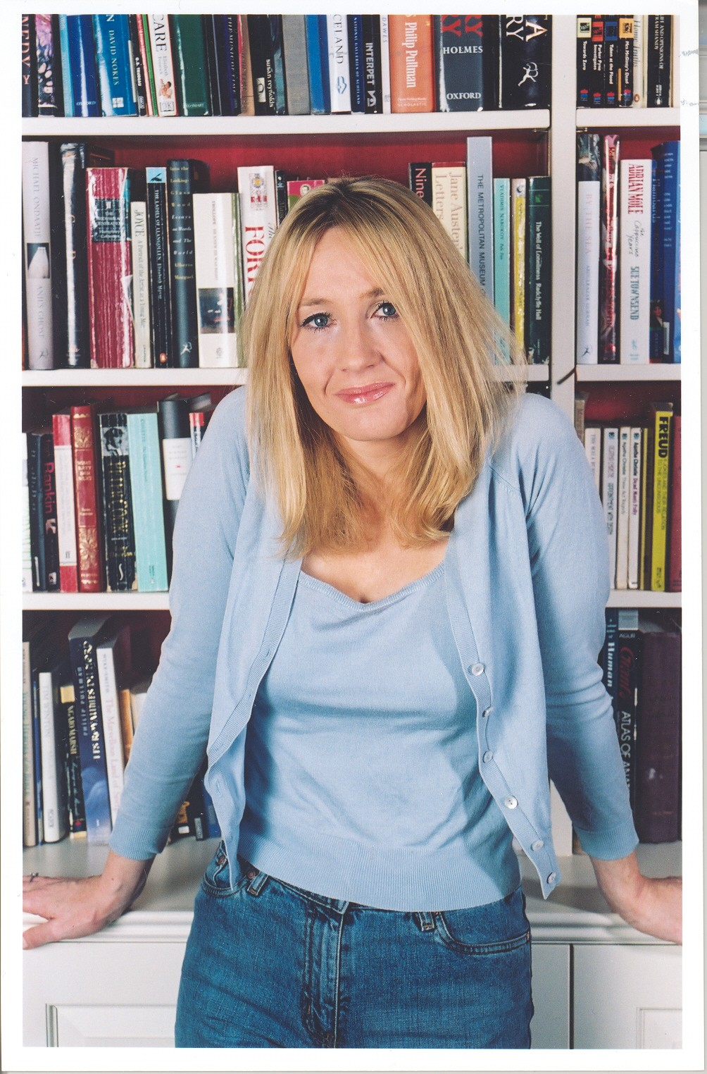 quintessential fiction writers joanne j rowling 1) the boy wizard harry potter and author jk rowling share the same birthday: 31st july 2) rowling went from being unemployed and living on state benefits to becoming a multi-millionaire in five .