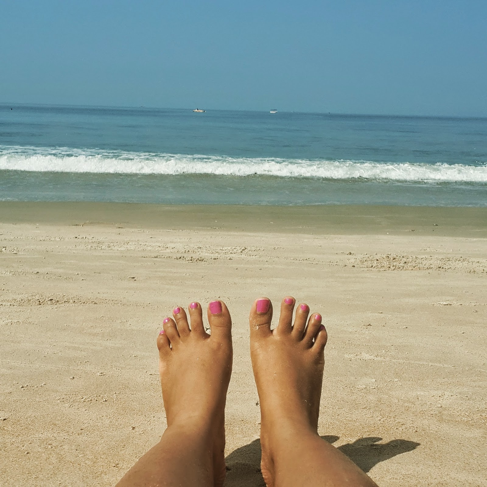 beach, sand, water, shore, feet, nails, pink, goa, sunshine, waves, beach days, vacation, relax, holiday