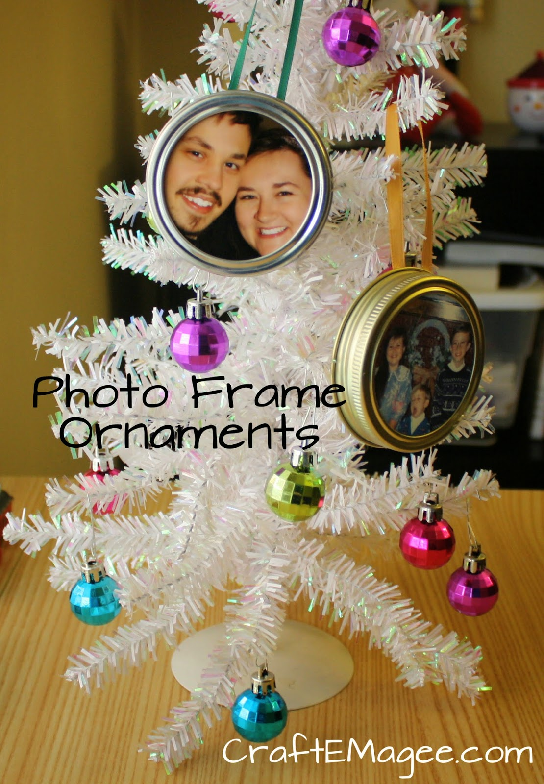 Craft e magee easy photo frame ornaments for Photo frame ornament craft