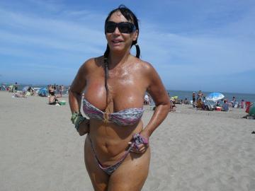 moria casan bikini