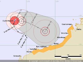 Zyklon LUA vor Australien wird voraussichtlich Major Hurrikan, Lua, aktuell, Australien, Australische Zyklonsaison, 2012, März, Satellitenbild Satellitenbilder, Vorhersage Forecast Prognose, Sturmwarnung, Verlauf, Zugbahn,