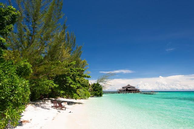 Spiaggia bianca a Lankayan