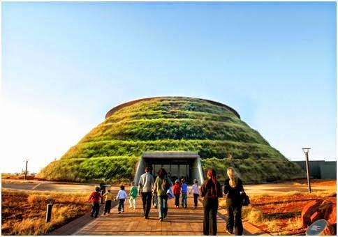 http://berbagi-10.blogspot.com/2013/09/10-obyek-wisata-pilihan-di-afrika-selatan.html