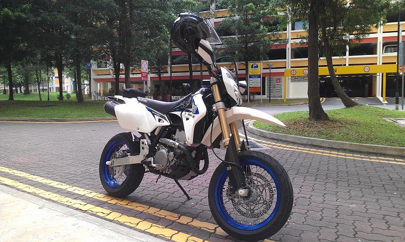 Bike Touring Supermoto
