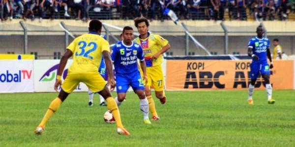 Persib Bandung vs Persik Kediri 3-0 ISL Minggu 24 Agustus 2014