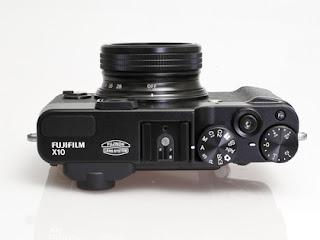 Fuji FinePix X10