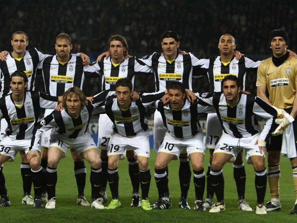 http://2.bp.blogspot.com/-UitMFDwwsrg/T5gb7fNsIII/AAAAAAAABjw/4QSbZiPNCdA/s1600/juventus-football-club-squad.jpg