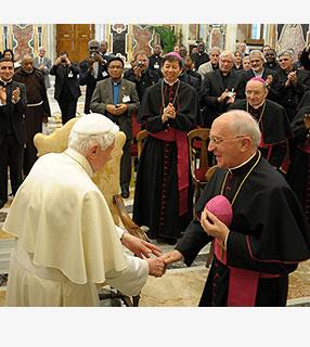 Papa recebe diretores das POM