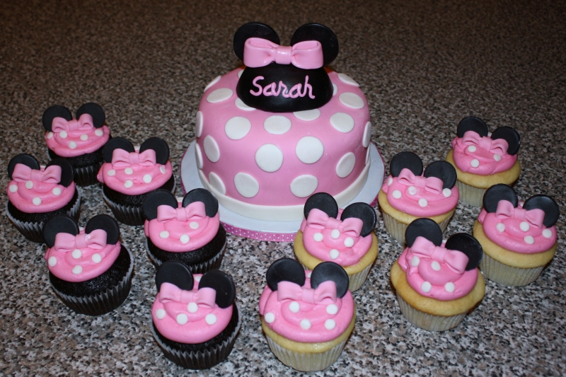 Stunning Minnie Mouse Birthday Cupcake Cake 800 x 533 · 391 kB · jpeg