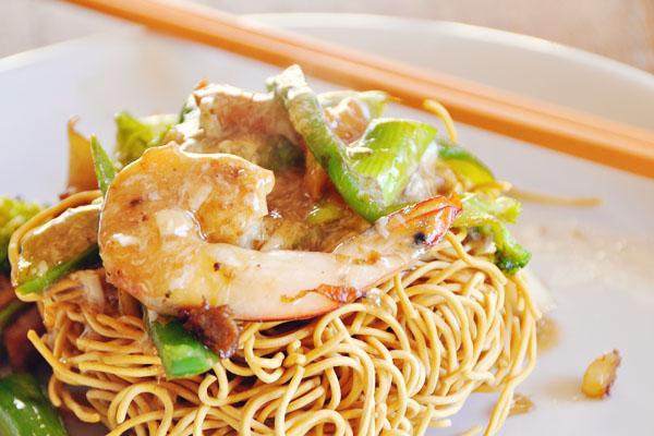 fried yee mee cantonese style egg sauce