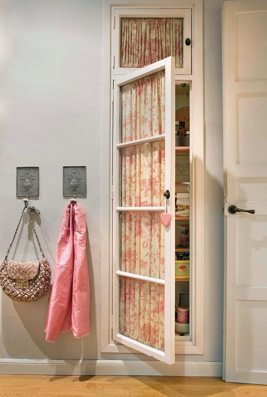 Wystrój wnętrz, home decor, wnętrza, urządzanie mieszkania, styl francuski, styl romantyczny, jasne wnętrza, róż, pastelowy róż, pastelowe kolory, przedpokój
