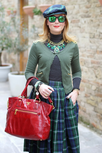 Green and blue tartans, Imperial flat cap, coppola a quadri, Prada red tote, tartan hat, Fashion and Cookies, fashion blogger