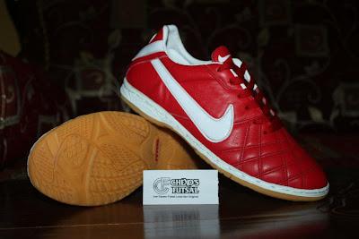 TOKO SEPATU FUTSAL ONLINE: Sepatu Futsal Nike Tiempo IV