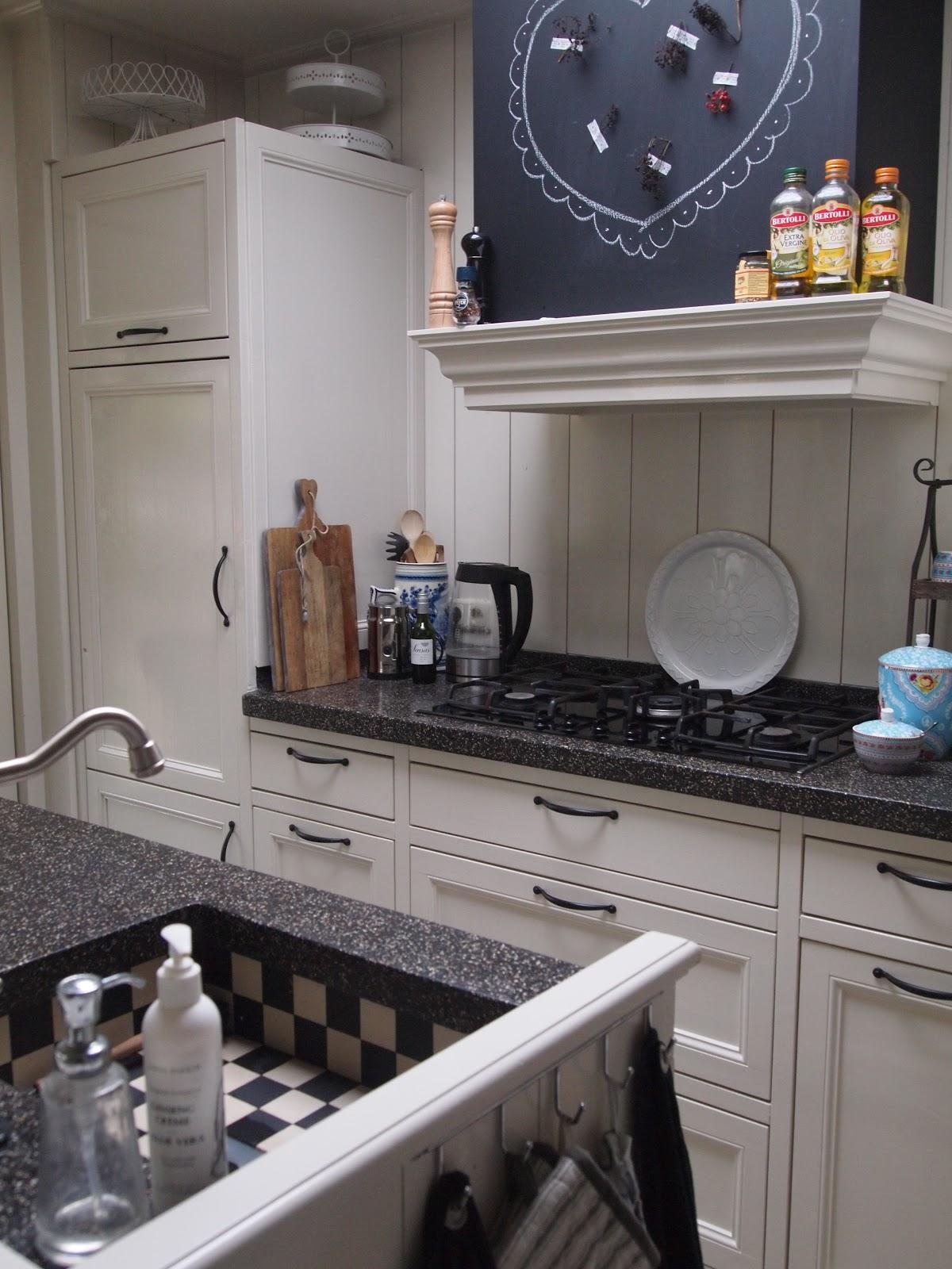 In ons huis als een prinses in de keuken - Keuken in het oude huis ...