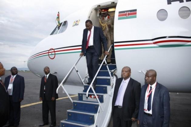 http://2.bp.blogspot.com/-Uj_IpBrIwCw/VUINa2wagYI/AAAAAAAAJY0/-ZlwcYcfjh8/s1600/President-Kenyatta-630x419.jpg