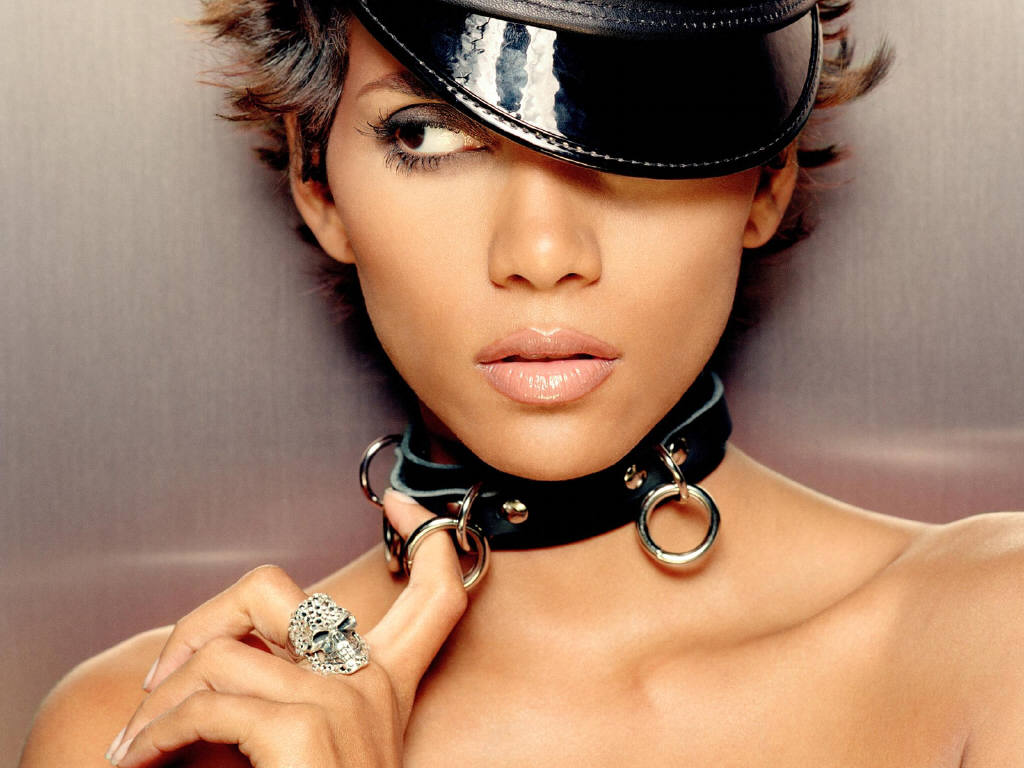 Halle Berry Fashion model & Best awarded ...