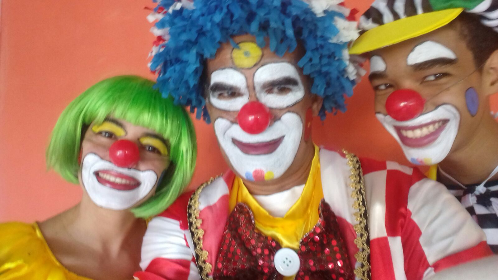FAMÍLIA CARAMELO A DOCE ALEGRIA DA SUA FESTA