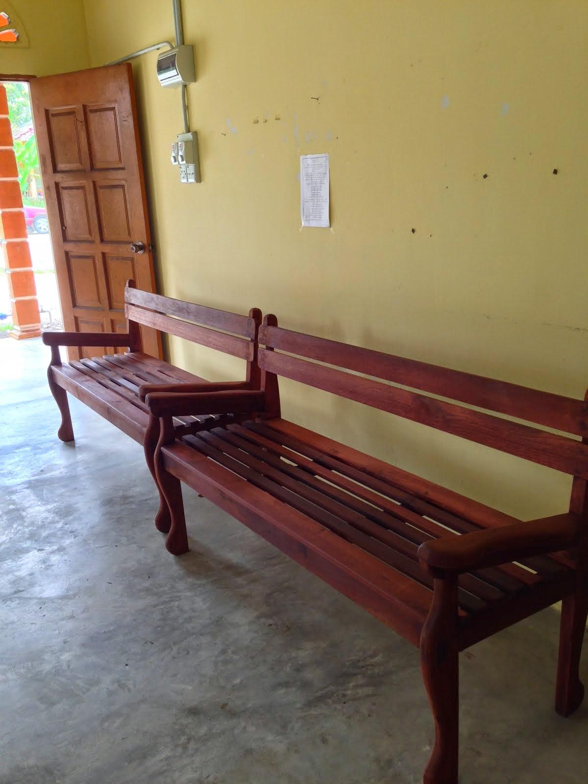 Kerusi kayu