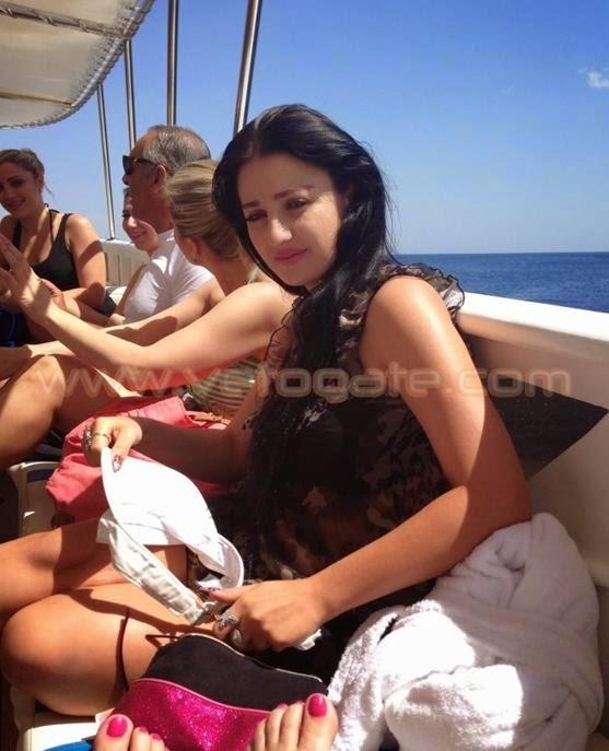 صور صافيناز في رحلة بحرية خاصة