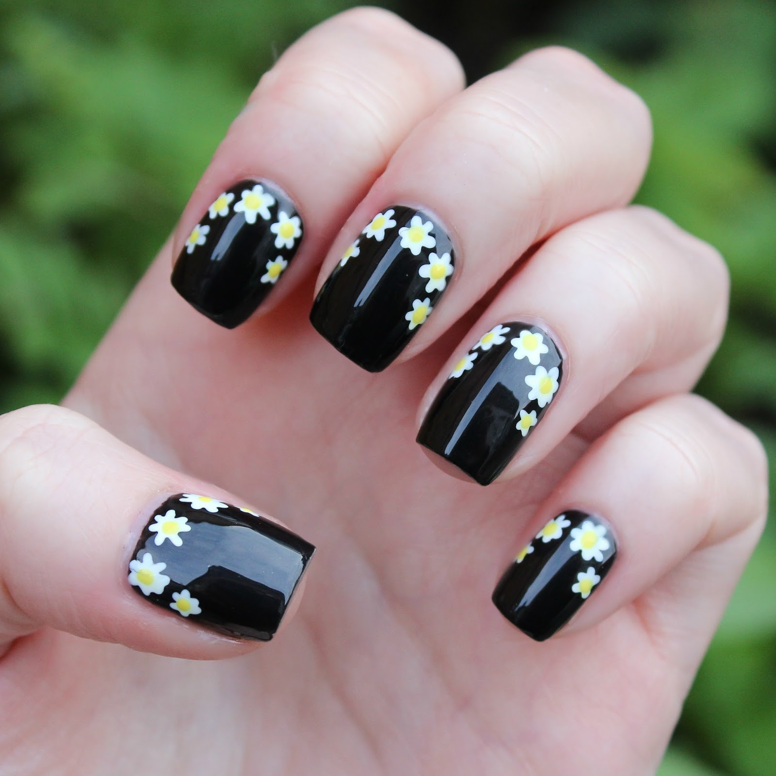 Dahlia Nails: Nails In Bloom
