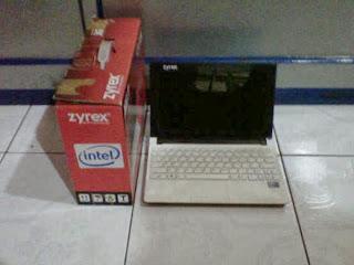 Netbook Bekas Zyrex  Sky LM-1215BL