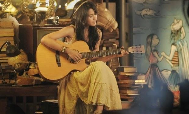 Lirik lagu Cinta Datang Terlambat Maudy Ayunda