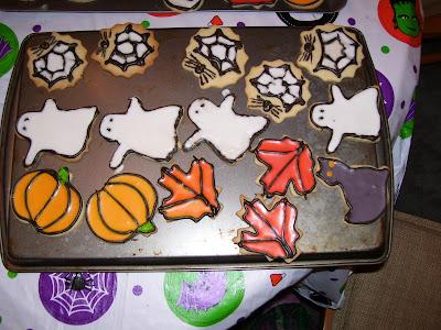 iced-halloween cookies