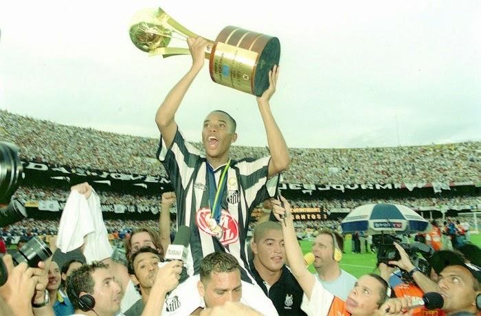 Robinho voltou ao Santos!