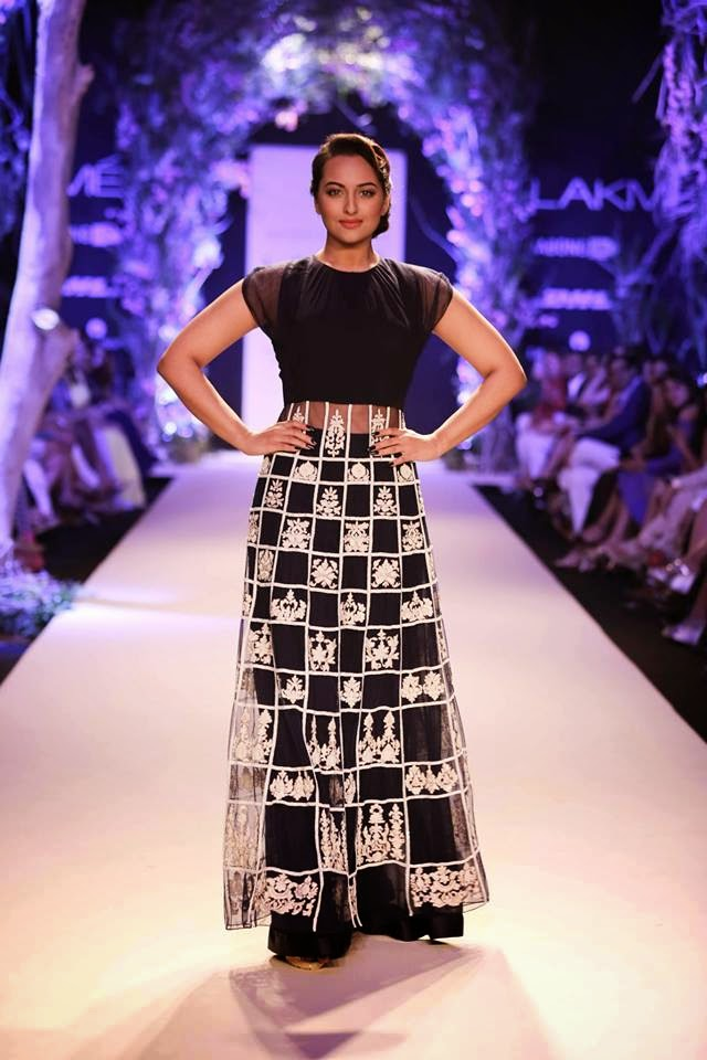 Grand Opening Of Lakme Fashion Week with Manish Malhotra's Show - A Summer Affair image