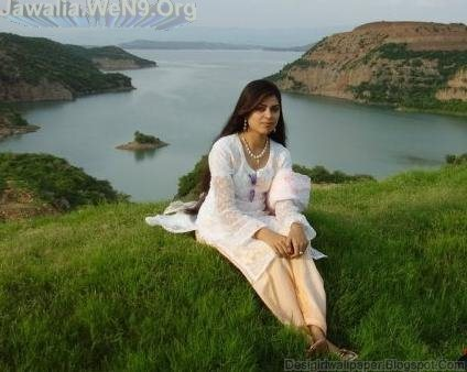 India s No-1 Desi Girls Wallpapers collection: Desi Indian Girl Love Making
