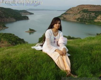 Desi Girl Love Wallpaper : India s No-1 Desi Girls Wallpapers collection: Desi Indian Girl Love Making