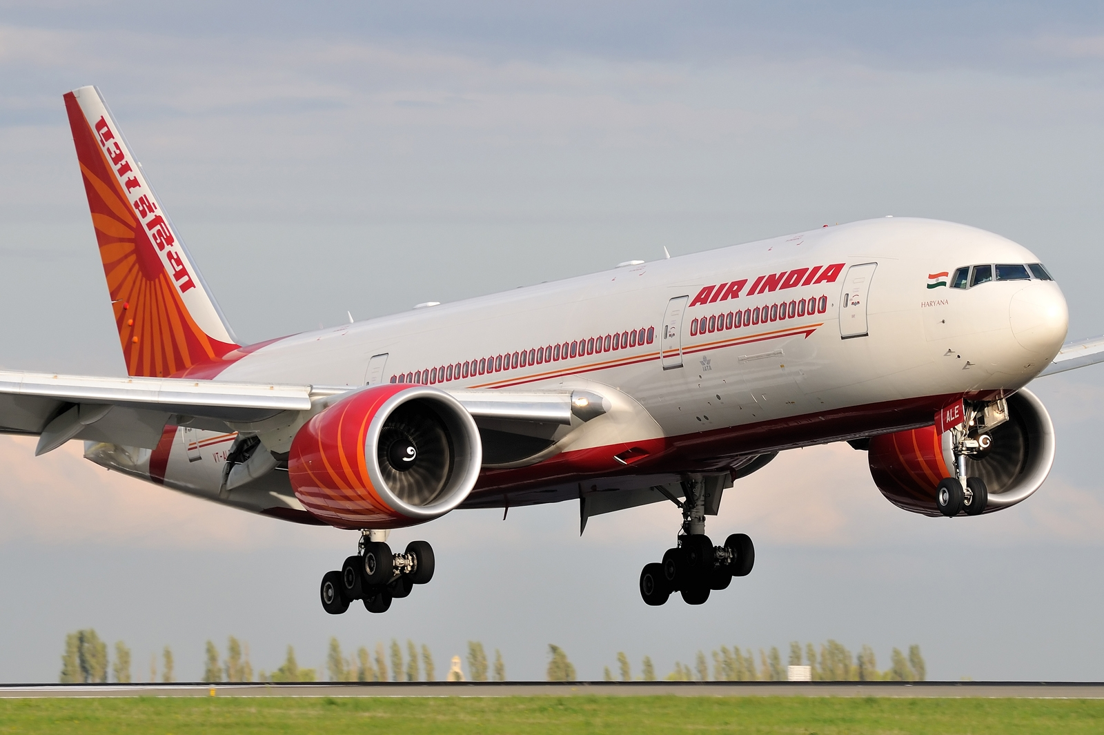 Boeing 777 200 Of Air India Takeoff Aircraft Wallpaper 3193