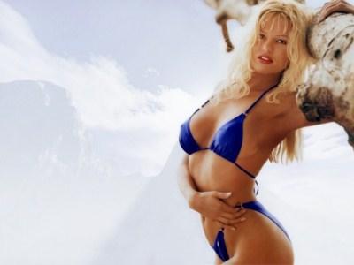 janna-sexy-bikini