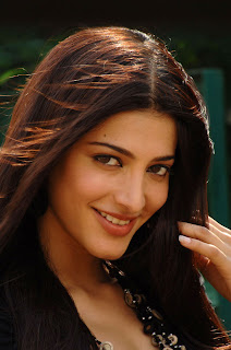 Shruthi Hassan Lovely Spicy CUte Pictures from movie 7Am Arivu