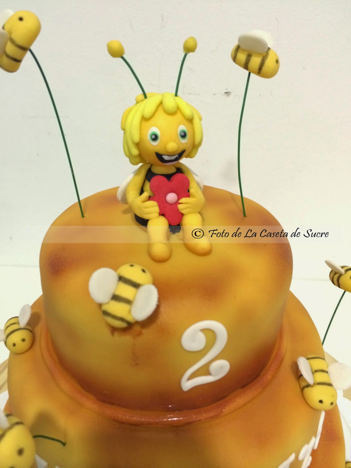 tarta la abeja maya 1