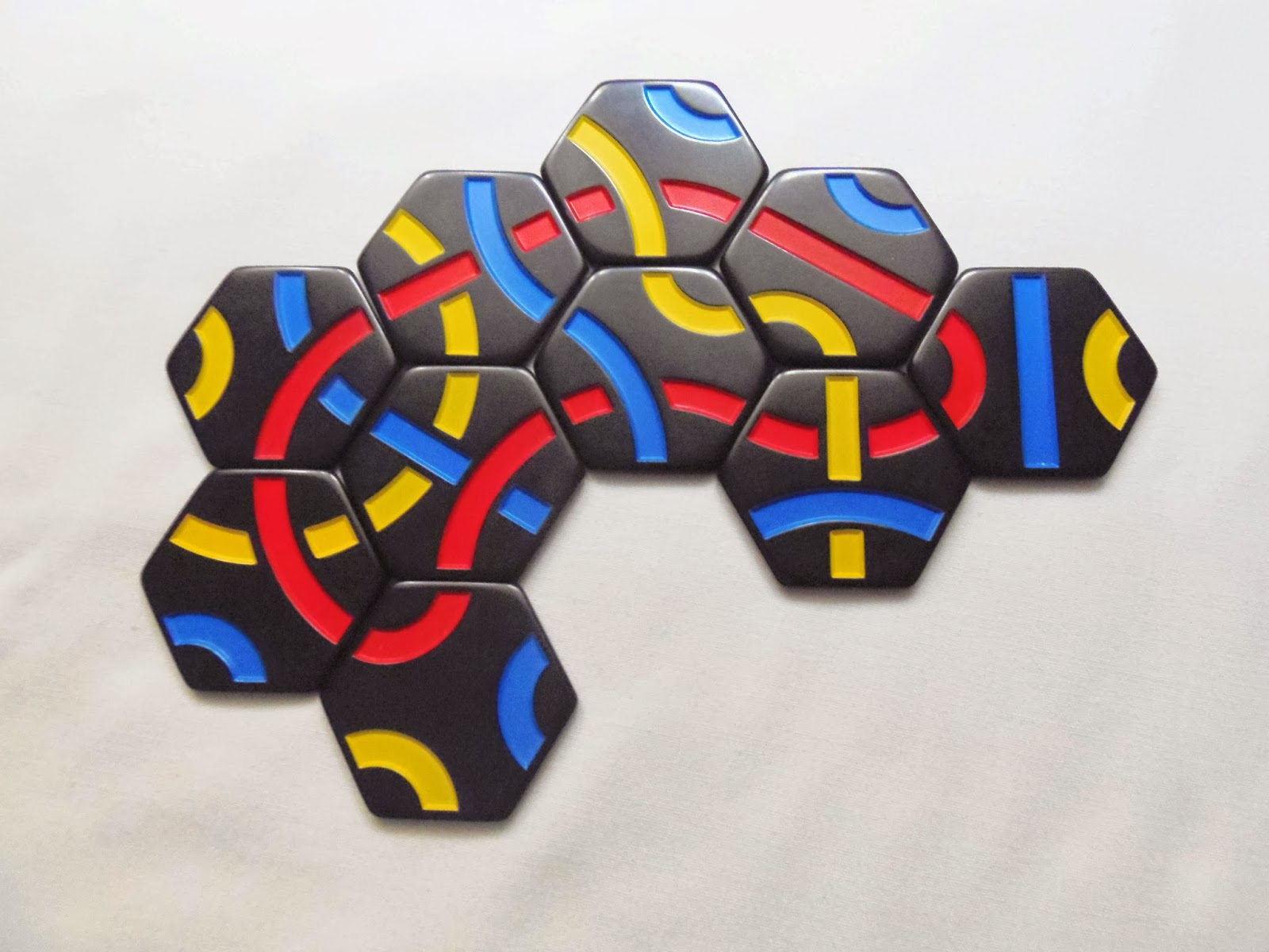 12 hexominoes that will make a cube