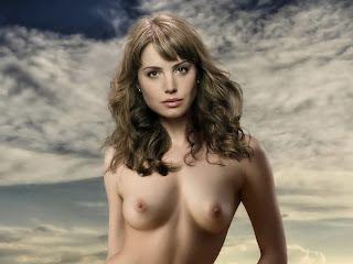 Erica Durance full nude in Smallville photo shoot HQ