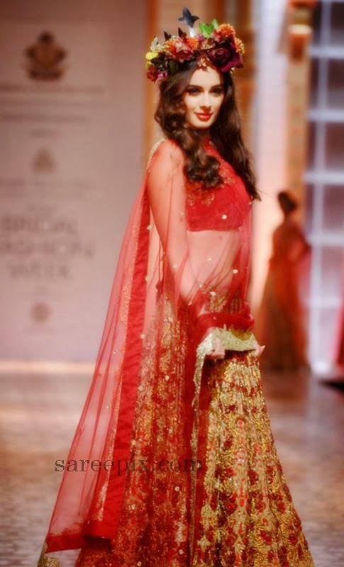 Evelyn-sharma-bridal-lehenga