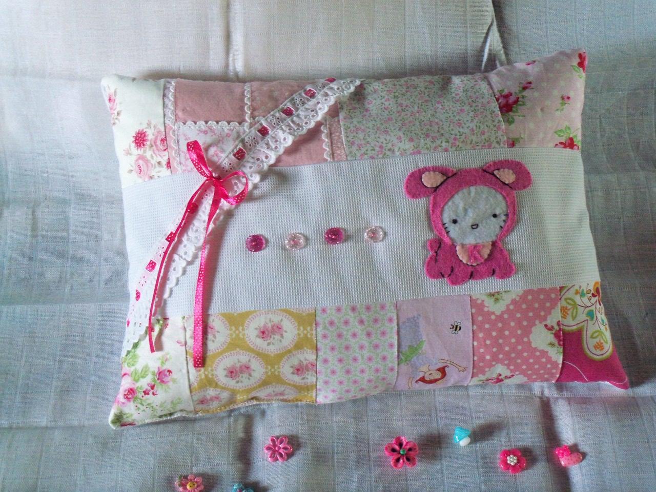 Aparador Adega Branco ~ L I N D A R T E Artesanato Urbano Almofadas decorativas para a caminha dos bébés