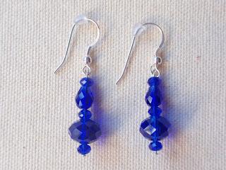 Pendientes de plata con cristales de color azul profundo