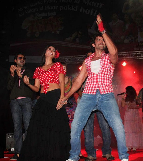 Katrina Kaif Dancing on 'Zindagi Na Milegi Dobara' MUSIC Launch Pictures