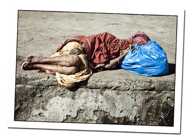 Nasik, durmiendo en la calle