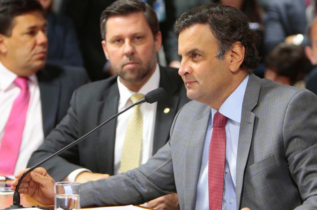 Aécio Neves promete campanha focada no debate dos problemas do Brasil