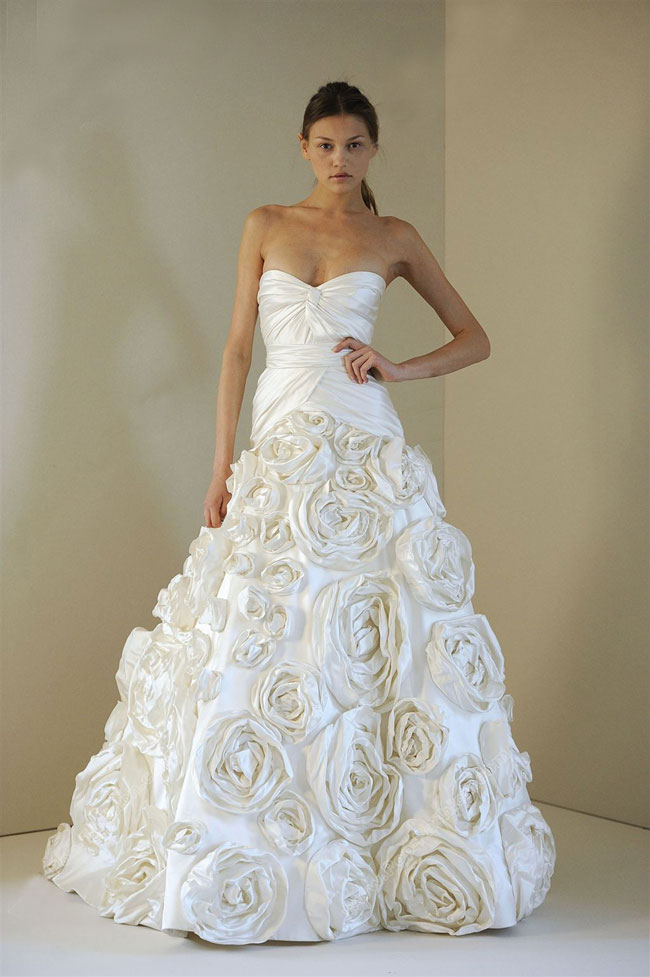 Roses wedding dress designs picture wedding dress for Wedding dress with red roses