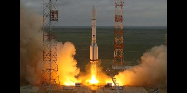 Proton-M rocket launch with MexSat-1 satellite on May 16, 2015. Credit: Roscosmos