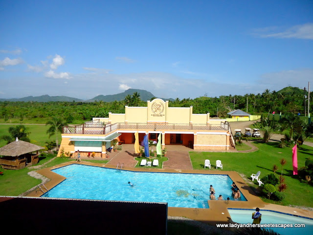 pool in San-Juanico Gulf-and-Country Club in Leyte Tour